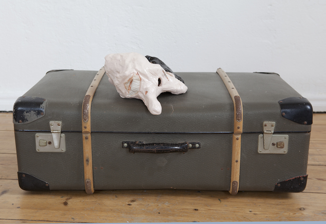 Lars Bjerre_Nixon (The Robbery), Oil on glazed ceramics, Work- 13hx22x25 cm. Antic suitcase, 25hx42x75 cm. 2015© the artist