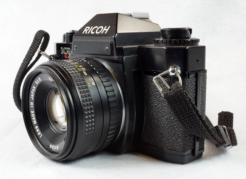 RD15023 Ricoh KR-5 SUPER 35mm SLR Film Camera XR Rikenon 50mm Lens, Sunpak Flash, Mustang Case DSC07461