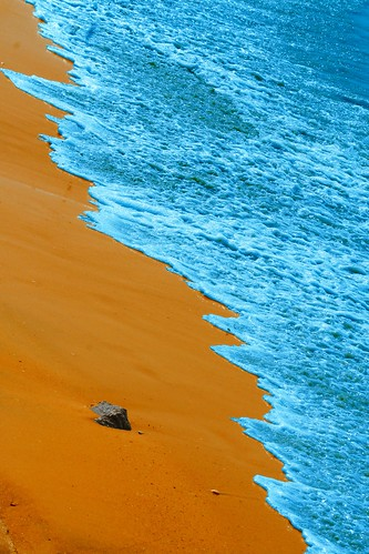 ocean africa travel blue france art beach water yellow canon 350d sand poetry waves quote atlantic senegal saly frenchslam superhearts allrightsreservedchristinelebrasseur selectbestexcellence sbfmasterpiece landscapeseascapeskyscapeorcityscape
