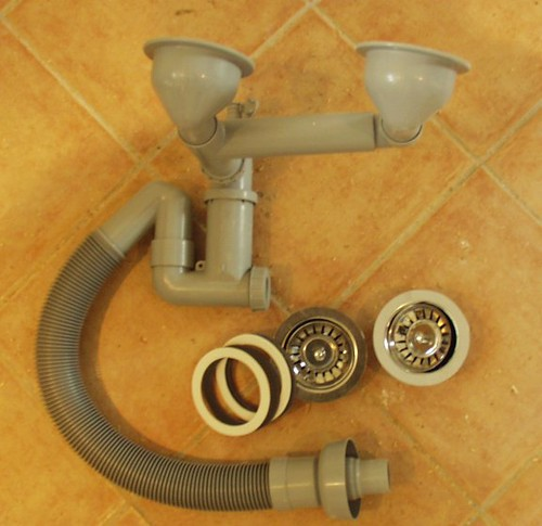 Kitchen Sink Pipes : Kitchen sink waste pipes Flickr - Photo Sharing!