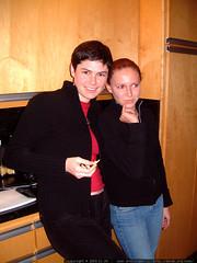 rachel and aunt megan in the kitchen   dscf7167