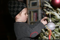 nick decorating the xmas tree