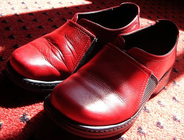 Elvis Coatello Red Shoes Backing Band
