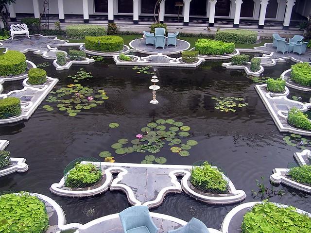 Udaipur - Lake palace