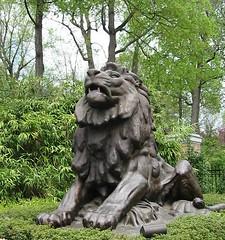 Lion Statue (pingnews)