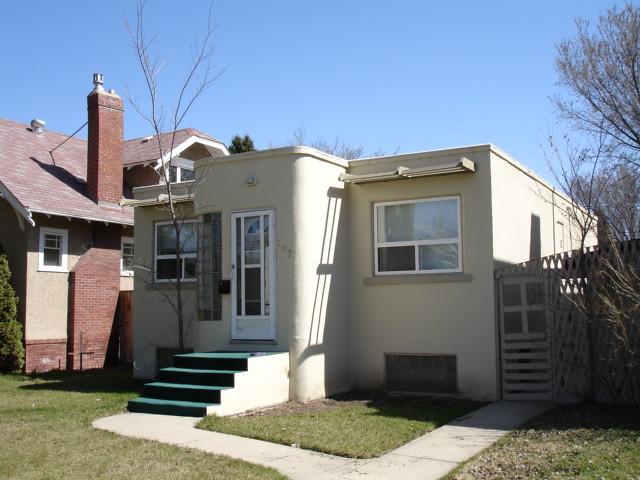Modern adobe homes