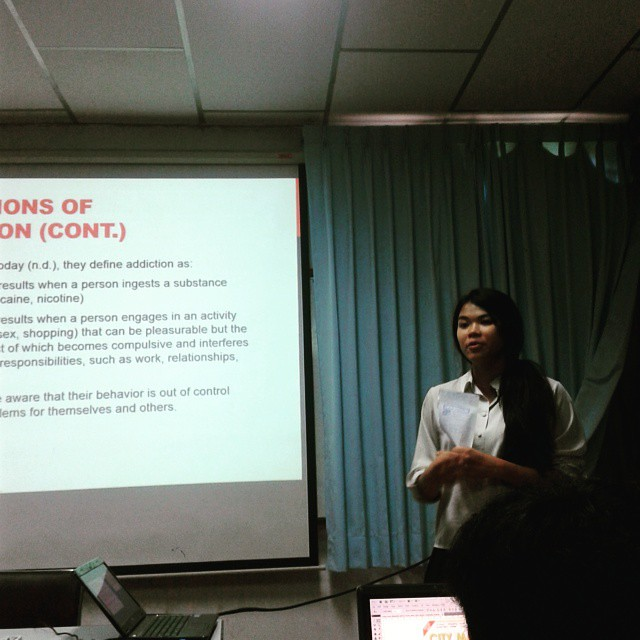 My classmate's rehearsing thesis project presentation about digital addiction and interpersonal communication. Learn more and get involved with her project in mid-June during thesis oral presentation. #instatech #digitaladdiction