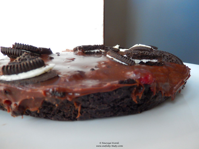 tarta cu oreo, zmeura si ciocolata