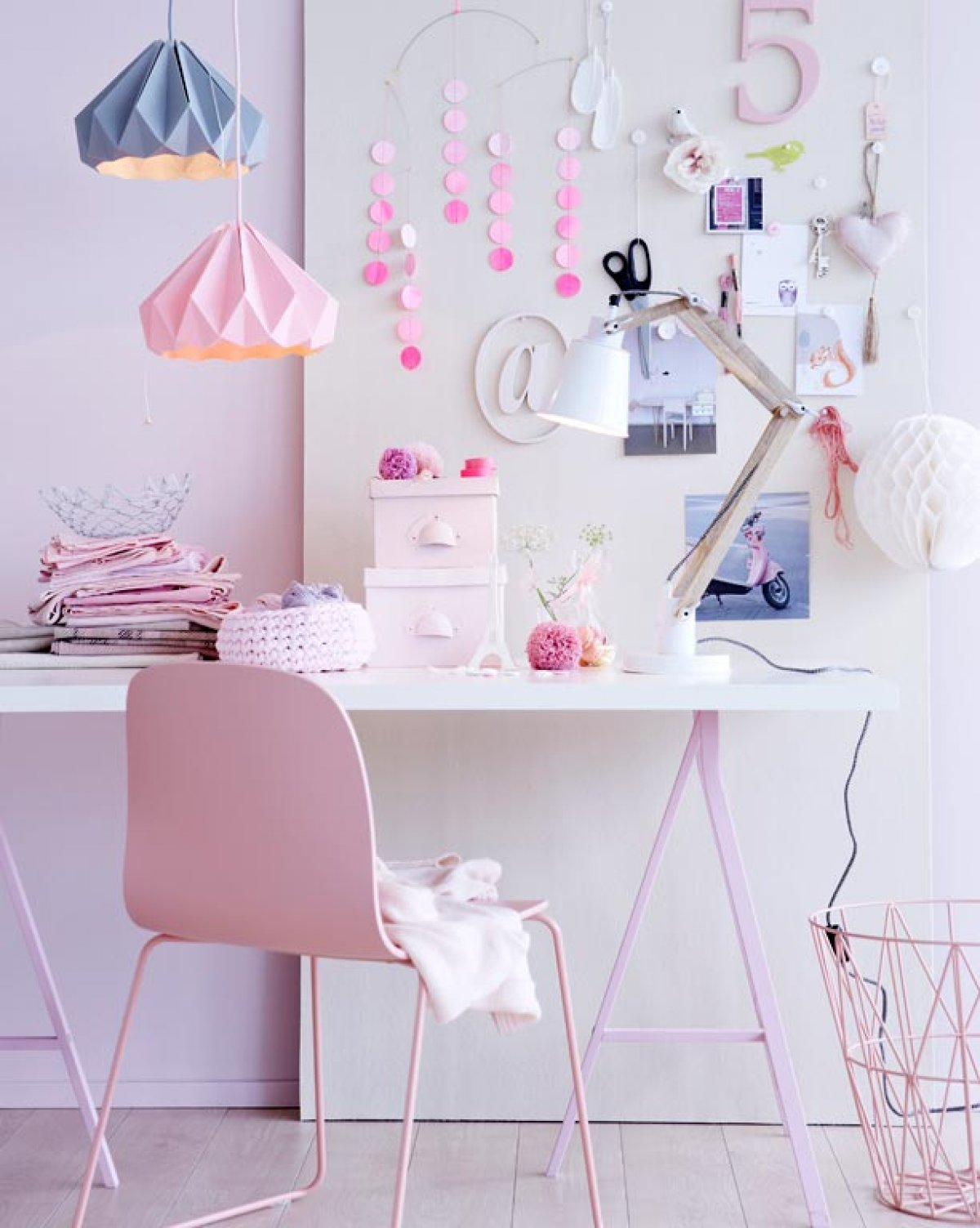 lilac pastel workspace