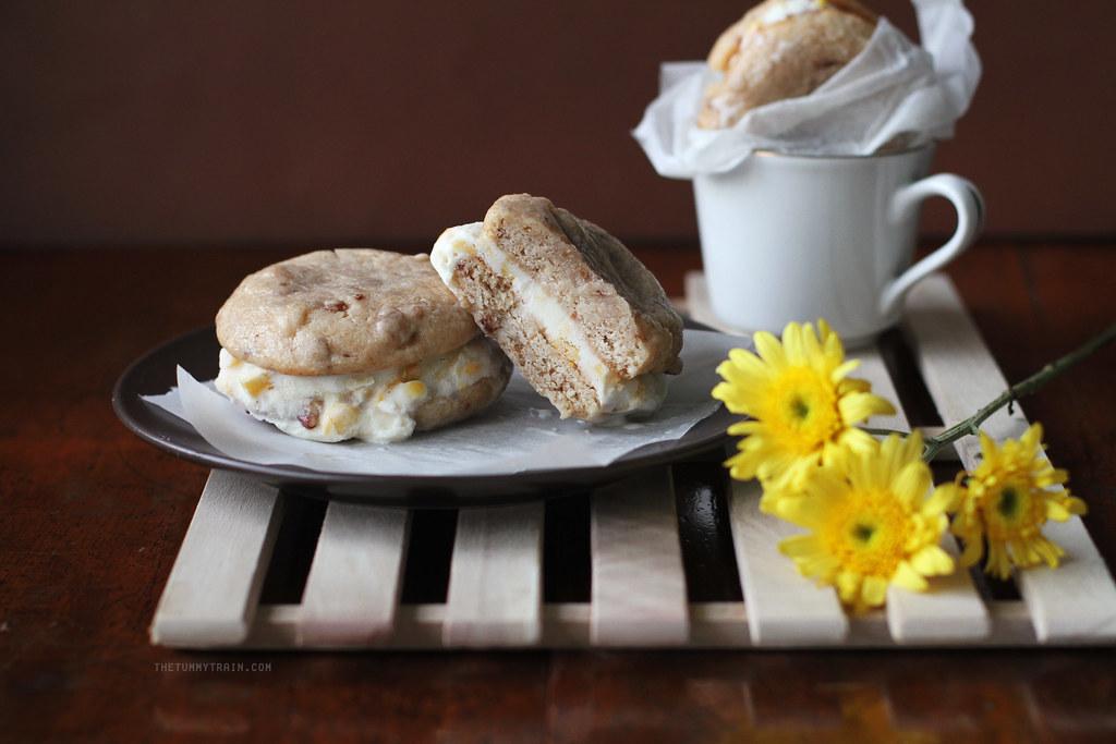 19530143782 b9a4015255 b - Bacon and Sweet Corn Ice Cream sandwiches anyone?