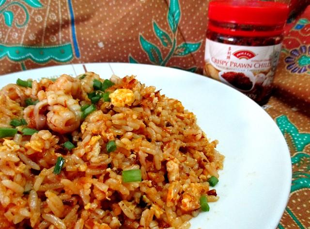 Fried rice with Dollee crispy prawn chili