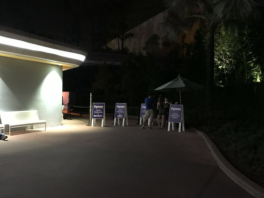 Express Transportation Bus Check-In at Epcot, Walt Disney World