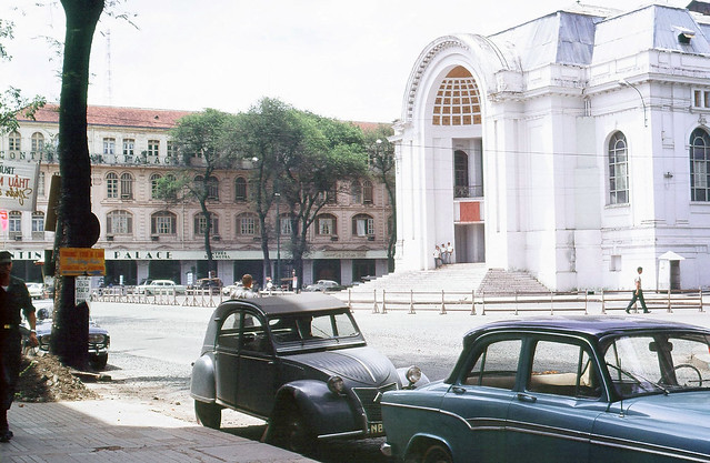 SAIGON 1967-68 - The Opera House and the Continental Palace - Photo by Peter Stevens