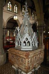 St Andrew, Stoke Newington, London N16 5DU (c) Robert McDonald