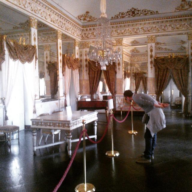 Sala degli specchi - Castello DONNA FUGATA a Ragusa