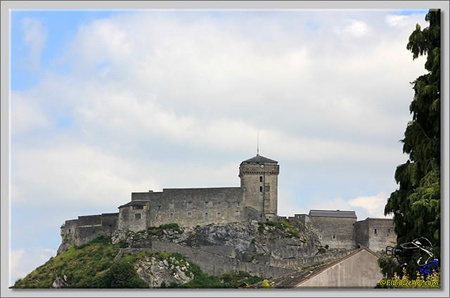 Castillo y Museo Pirenaico de Lourdes (1)