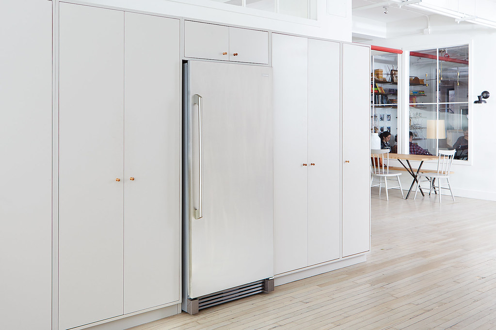 how to keep the office pantry clean