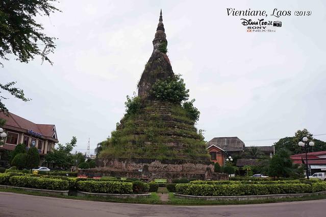 Laos 11 - Black Stupa (That Dam)