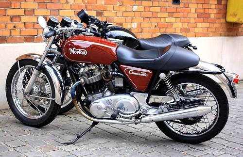 Norton 750 Commando
