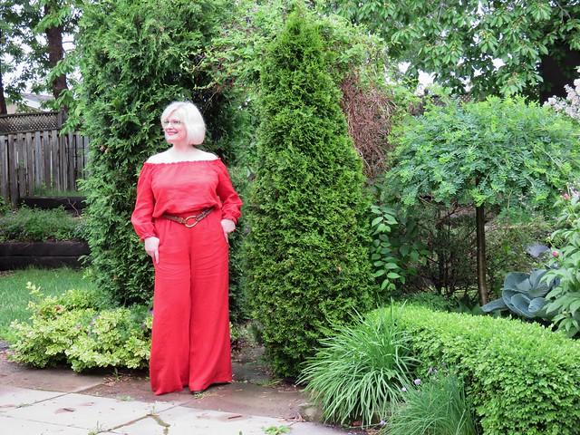 Burda 06-2010-141 red linen