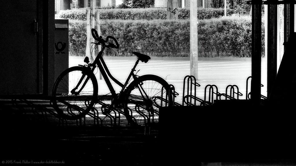 The forgotten bicycle/Das vergessene Fahrrad