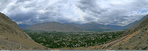 trees pakistan sky panorama mountains building clouds canon landscape geotagged rocks wide structures tags location elements vegetation greenery cloudscapes settlement gilgit canonefs1022mmf3545usm gilgitbaltistan imranshah canoneos70d jutial gilgit2