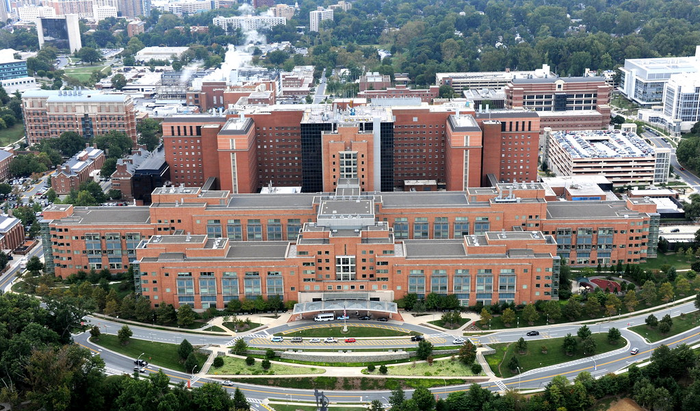 Aerial View Of The Clinical Center Building 10 Nih Camp Flickr