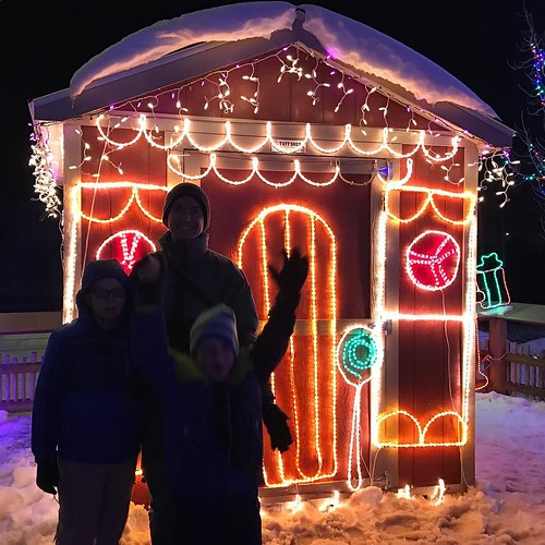Zoo Lights at Hogle Zoo. Darn flash would not go off. #utah #gingerbreadhouse #zoo #winter #vacation #nofilter #backlight #noflash #holidaylights
