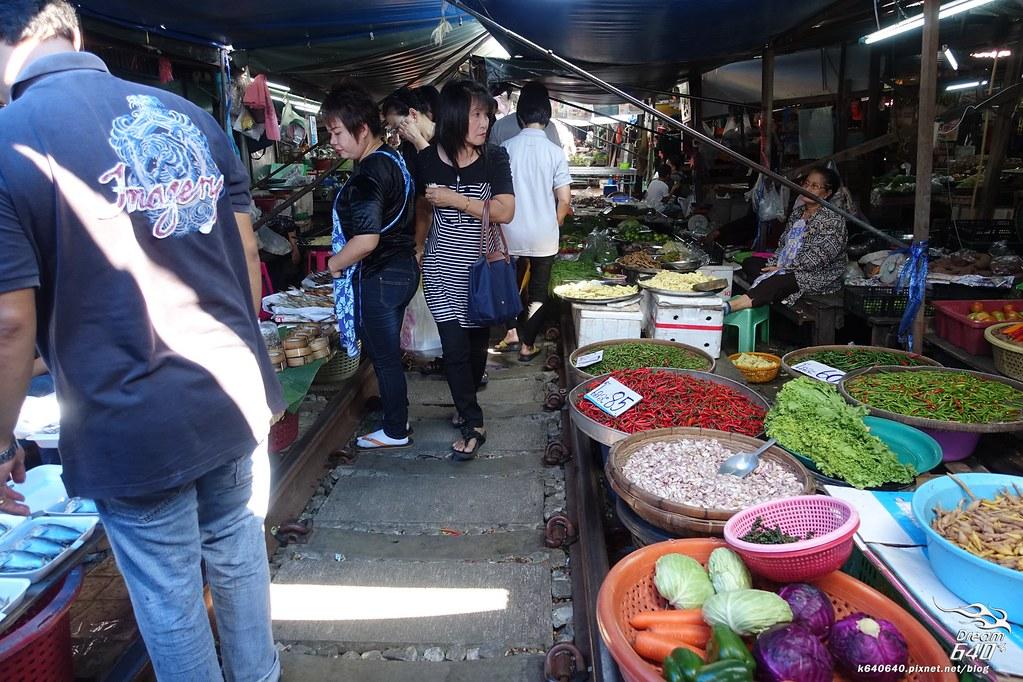 泰國曼谷-水上市場+美功鐵道市集+河濱夜市-23