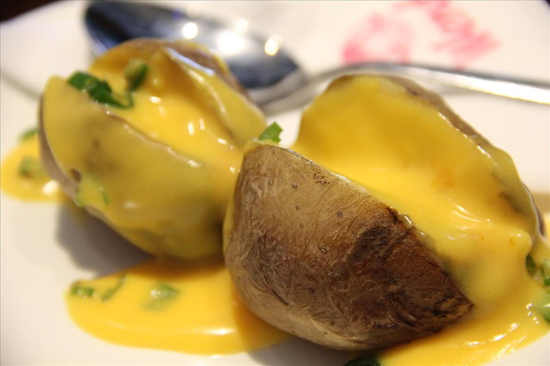 Baked Potato Chilli Cheese