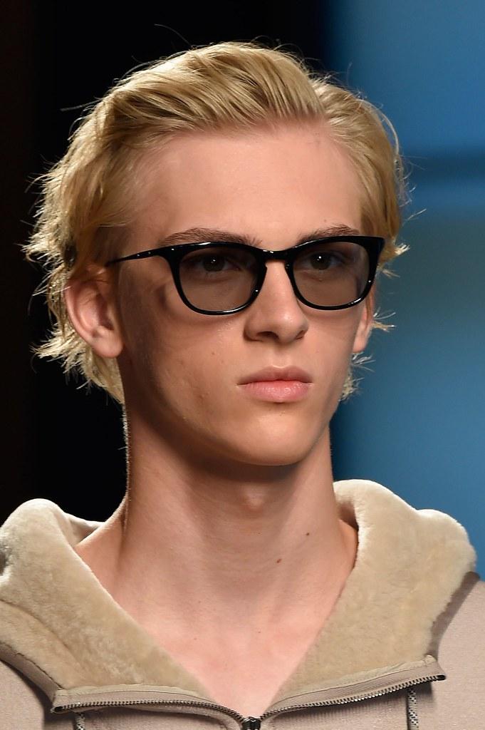 Dominik Sadoch3332_SS16 Milan Bottega Veneta(fashionising.com)