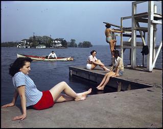 Early summer swimming in the St. Lawrence River near Brockville, Ontario, 1949 / Une baignade au début de l'été dans le fleuve Saint Laurent, près de Brockville (Ontario), en 1949