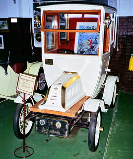 1994 - De Dion Bouton (circa 1906) at the Motor Museum, York, Western Australia