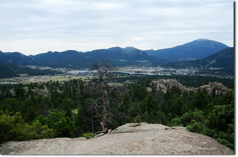 Along the trail, looking toward Estes Park 5