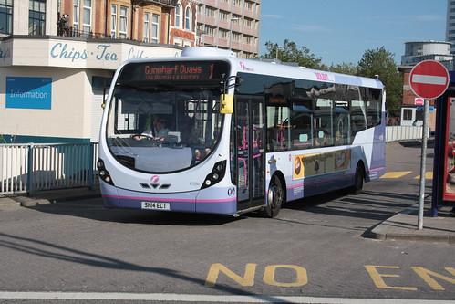 First Hampshire and Dorset 47590 SN14ECT
