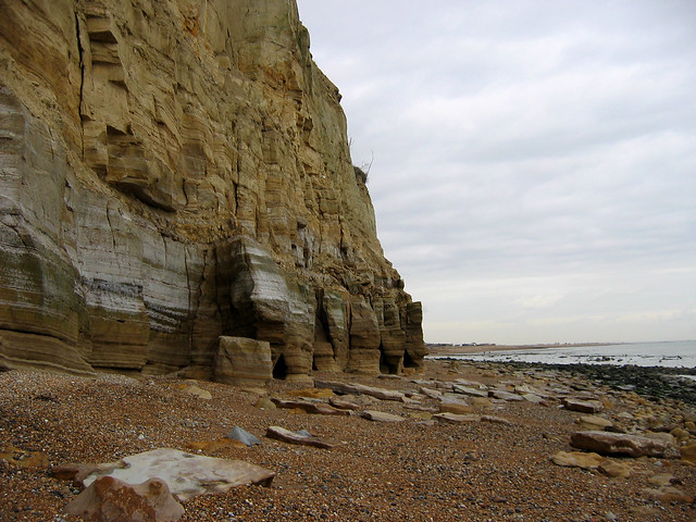 The beach east of Fairlight Cove