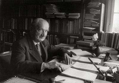 Heidegger Và Thông Diễn Học Hiện Đại