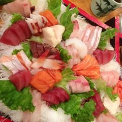 Assorted sashimi en Germantown. Yuraku japanese restaurant.