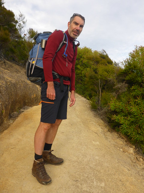Steep uphill towards Marahau, Panasonic DMC-FT5