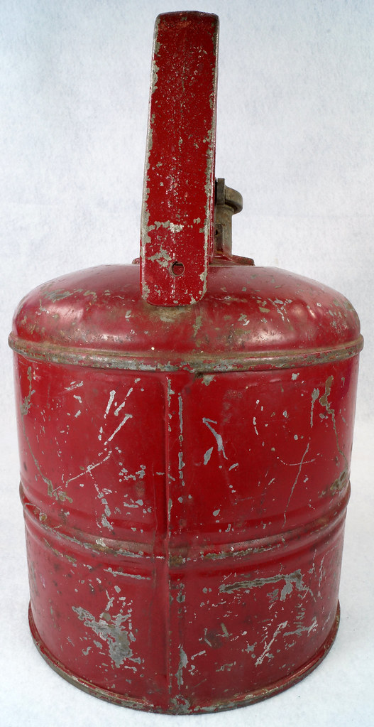 RD14619 Vintage Red JUSTRITE Chicago Safety Gasoline Can One Gallon DSC08115