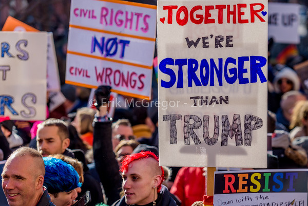EM-170204-TrumpProtestNYC-020