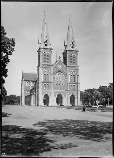 Cochinchine - Saïgon 1895 - La cathédrale - by Salles, André (1860-1929)