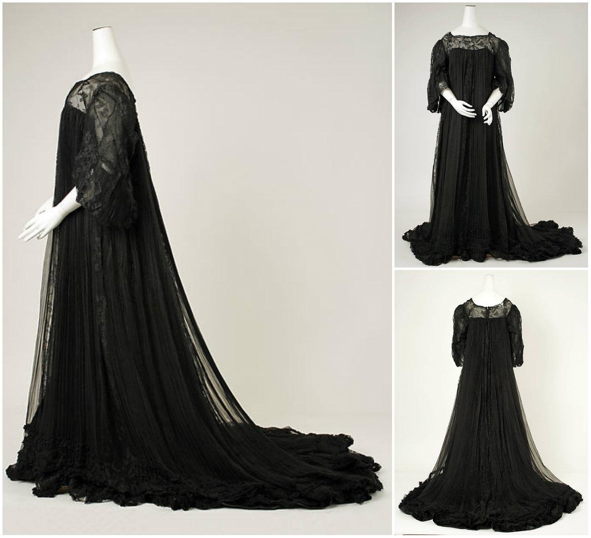 1906 Peignoir. Silk. metmuseum