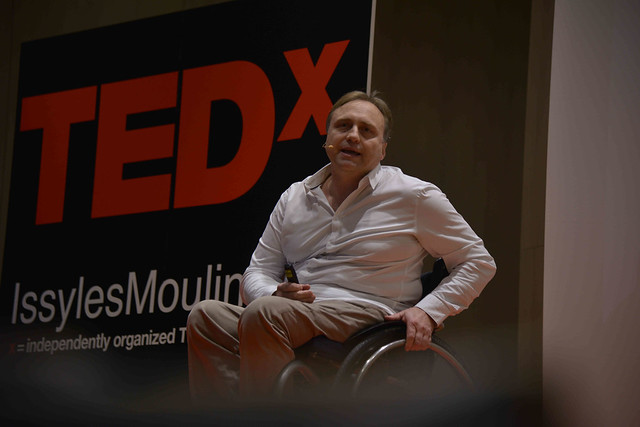 2016-11-23 - TEDxIssy-01 - Speakers (15h47m18) - Pascal HARDY