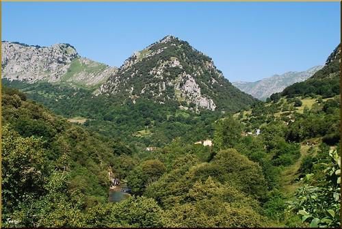 Río Cares (Asturias, España, 1-7-2011)