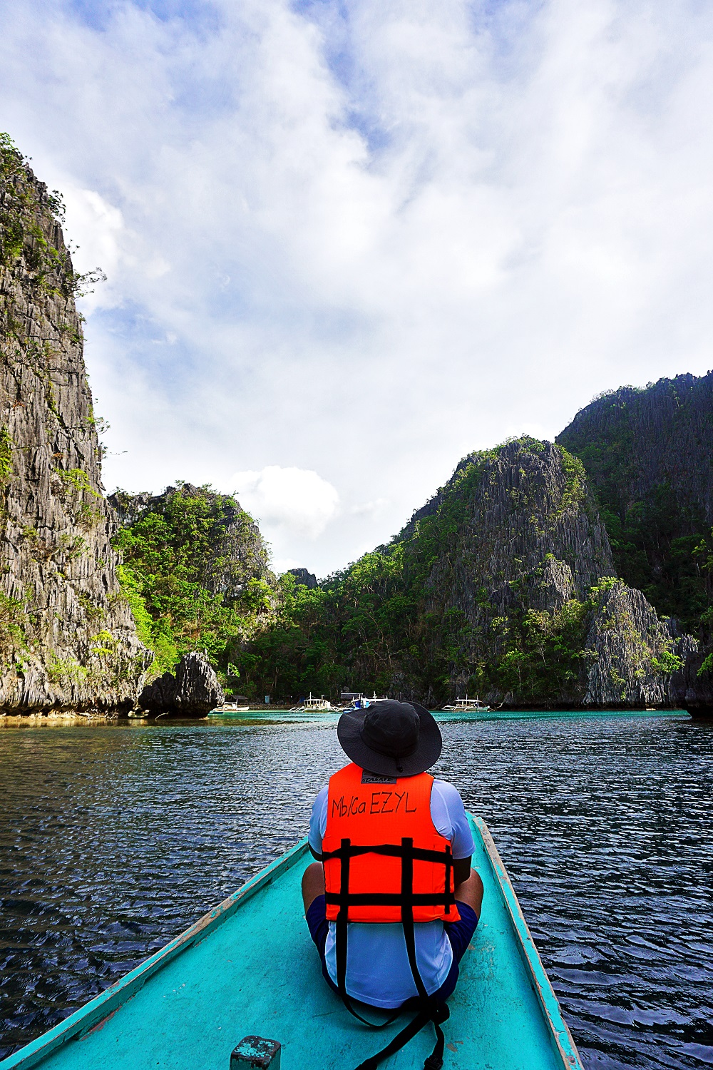 Travel Diary Kayangan Lake in Coron, Palawan, PH -thedailyposh (5)