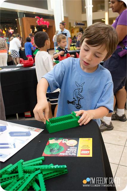 LegoStore-Building03-ImFeelinCrafty