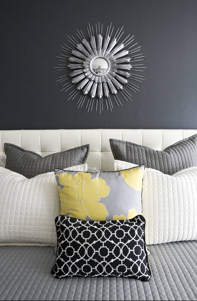 Black and White Decor