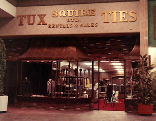 Squire Ltd. at the Northwood Mall on opening day, Tallahassee