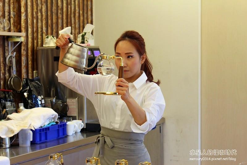 19430045134 e85456190b b - 熱血採訪。台中大坑【OKLAO 歐客佬咖啡農場】喝到寮國啤酒口味的創意咖啡,咖啡甜點舒適氛圍,爬山後放鬆的早午茶時刻,全系列藝伎咖啡買一送一(活動期間7/29-8/9)